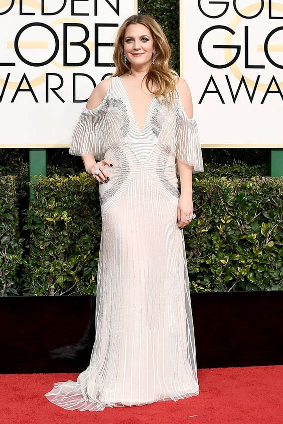 BEVERLY HILLS, CA - JANUARY 08: Actress Drew Barrymore attends the 74th Annual Golden Globe Awards at The Beverly Hilton Hotel on January 8, 2017 in Beverly Hills, California. (Photo by Frazer Harrison/Getty Images)