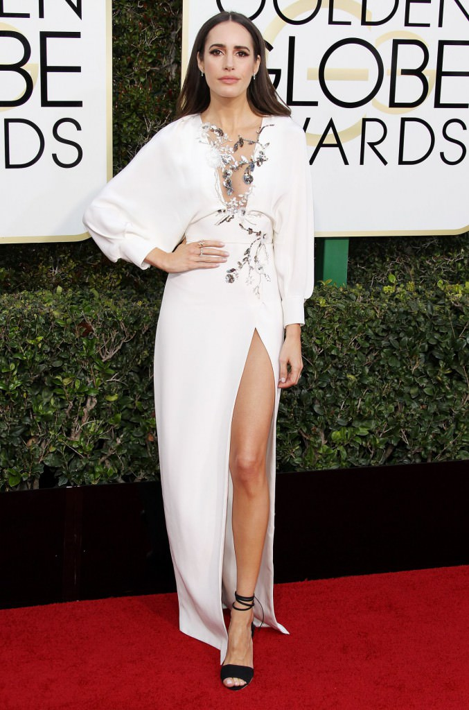 louise-roe-golden-globe-awards-in-beverly-hills-01-08-2017-5